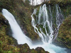 五色ヶ原の森 桜根滝